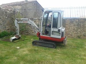 excavadora blanca